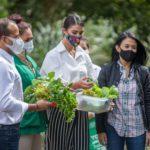 Lenka Nemer visita los 'Huertos en casa' del CEA y valora su aporte para combatir el hambre